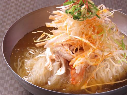 山椒香る蒸し鶏冷麺